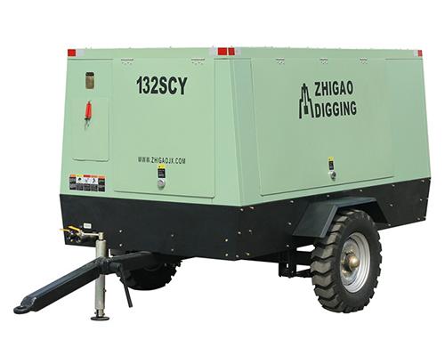 132SCY-14.5柴油机驱动移动式螺杆压缩机